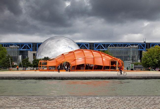 Orange        2011.                     .