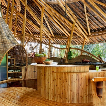 Бамбуковый дом на острове Бали