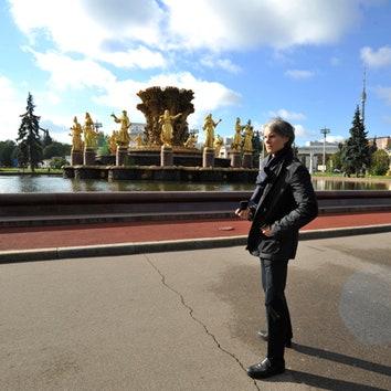 Томас Физант шагает по Москве