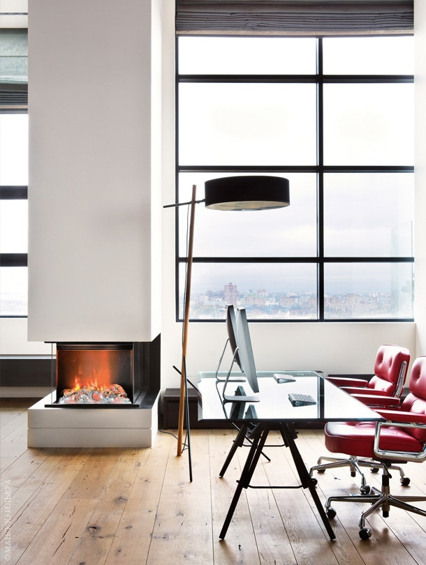 .  Reale     Zanotta.  Lobby Chair       Vitra.  Excel Roll amp Hill.