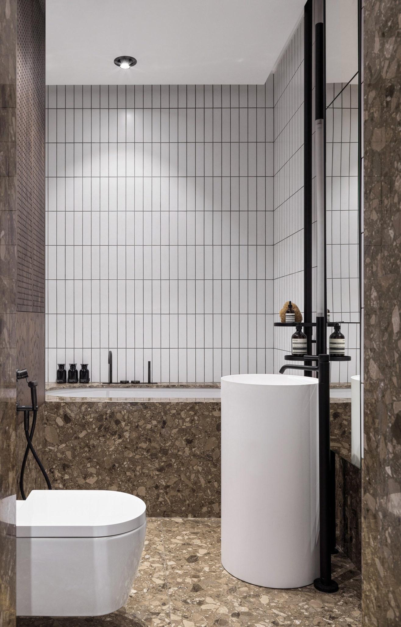 .  .  CEA Design  antoniolupi  Duravit.                 Tolko Interiors.                 .