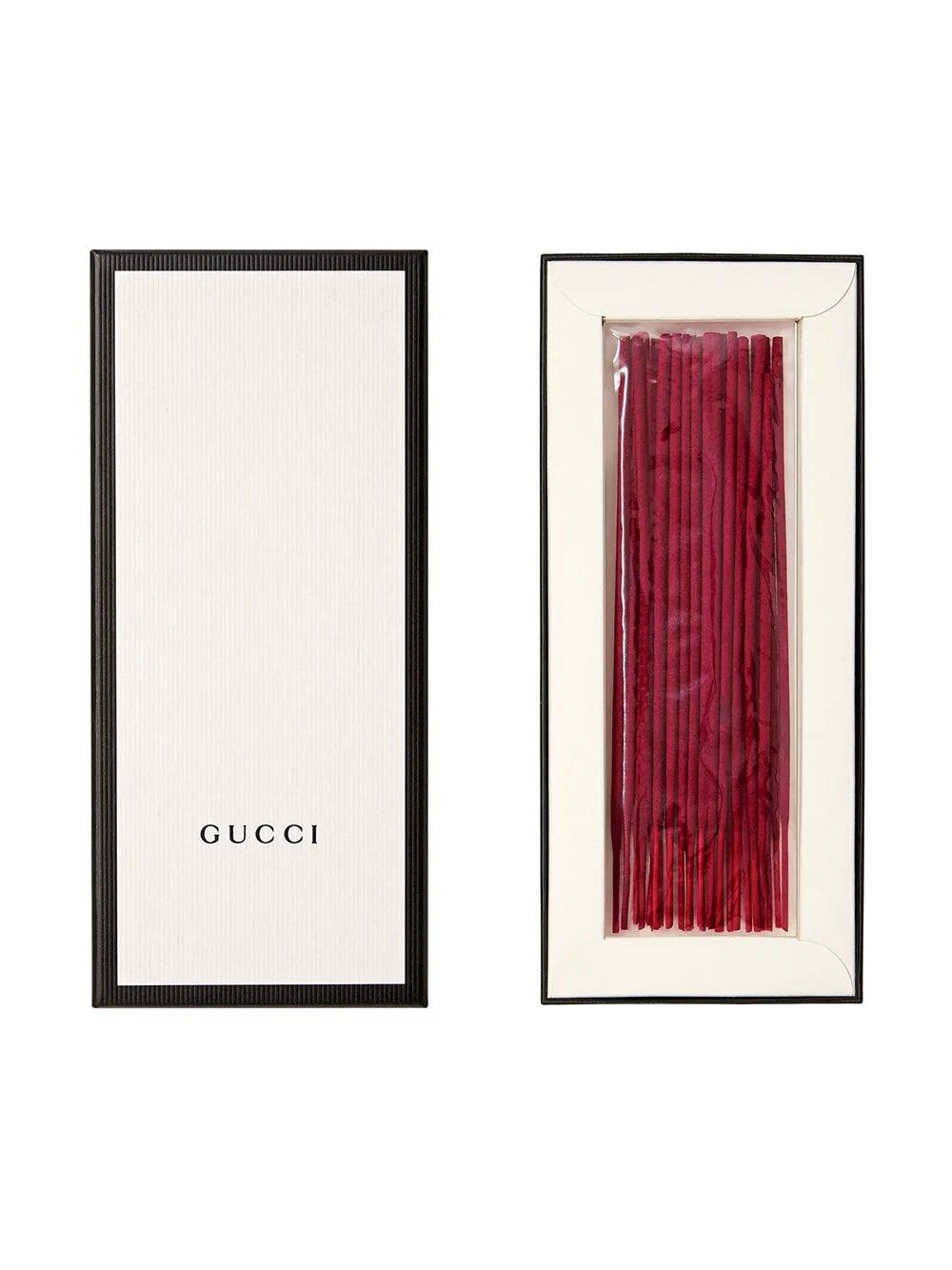 Fumus  Gucci 5611 .