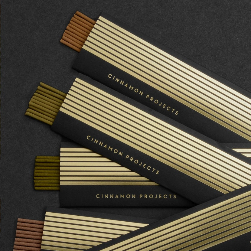 Cinnamon Projects 5700 .