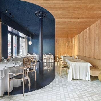 Ресторан, столики, стулья