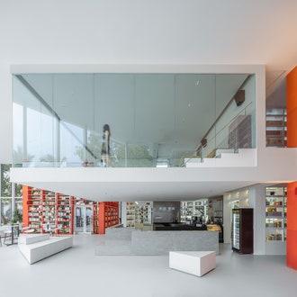 Новый книжный магазин по проекту Wutopia Lab