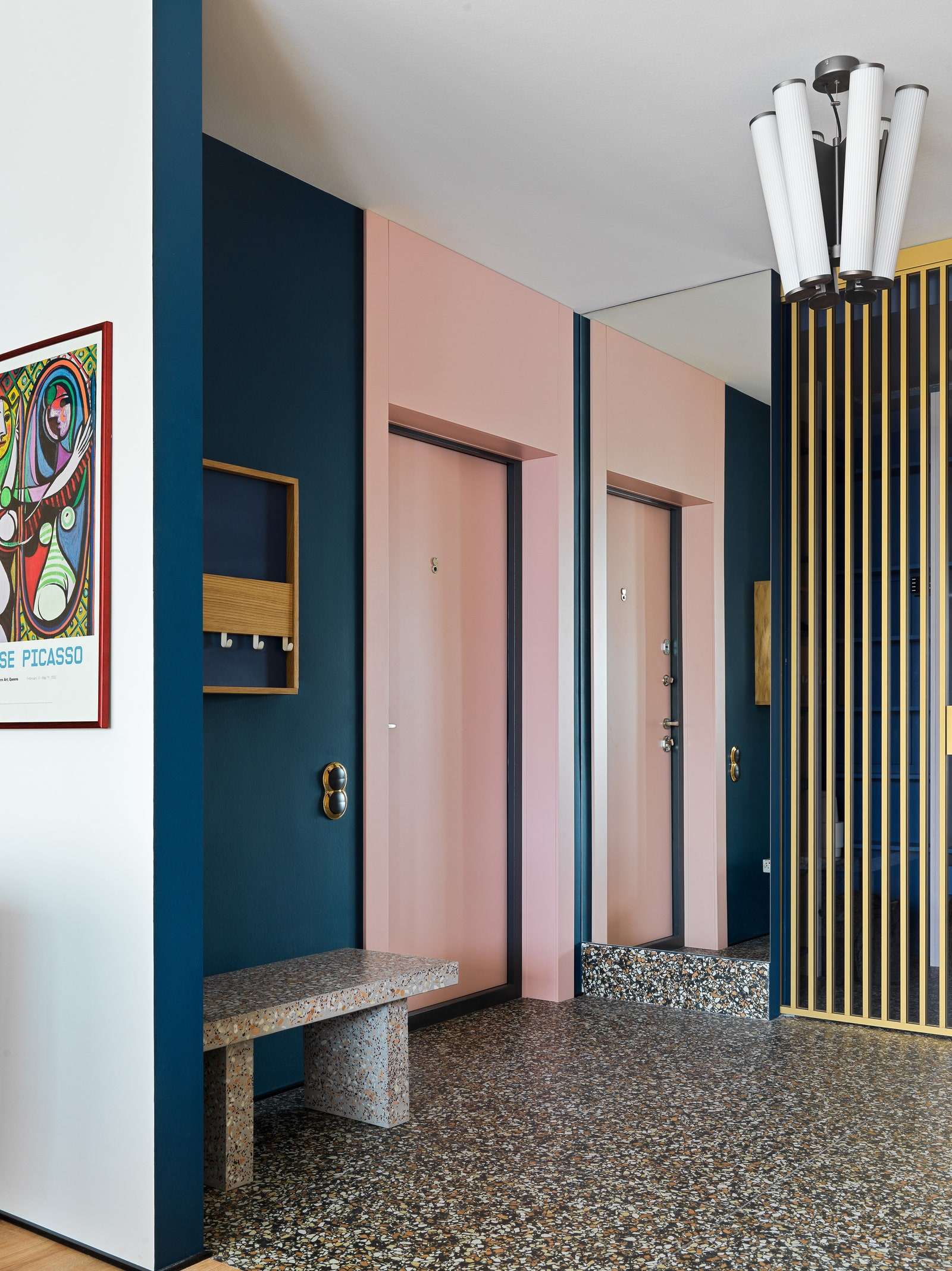 200 . .        Petrobeton   Miksal   Norr 11    New Design Porte  Simon Electric   Matisse Picasso  Florim.