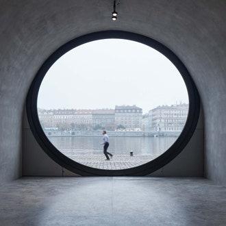 Новые пространства на набережной Праги